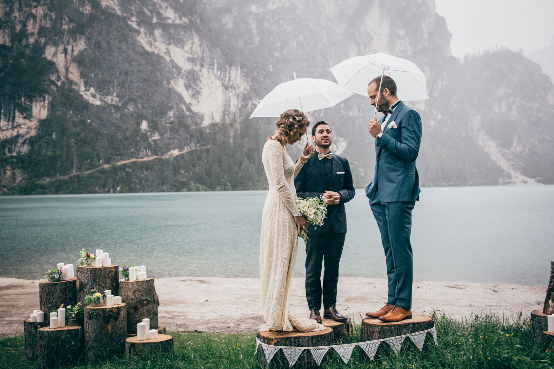 Destination wedding photographer – Elopement on lake Braies Dolomites Professional wedding photographer - Happy Birthday - photographer in Lake Garda - Verona - Valpolicella
