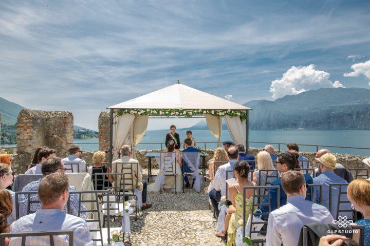 Professional wedding photographer. Wedding at the Scaliger Castle of Malcesine on Lake Garda