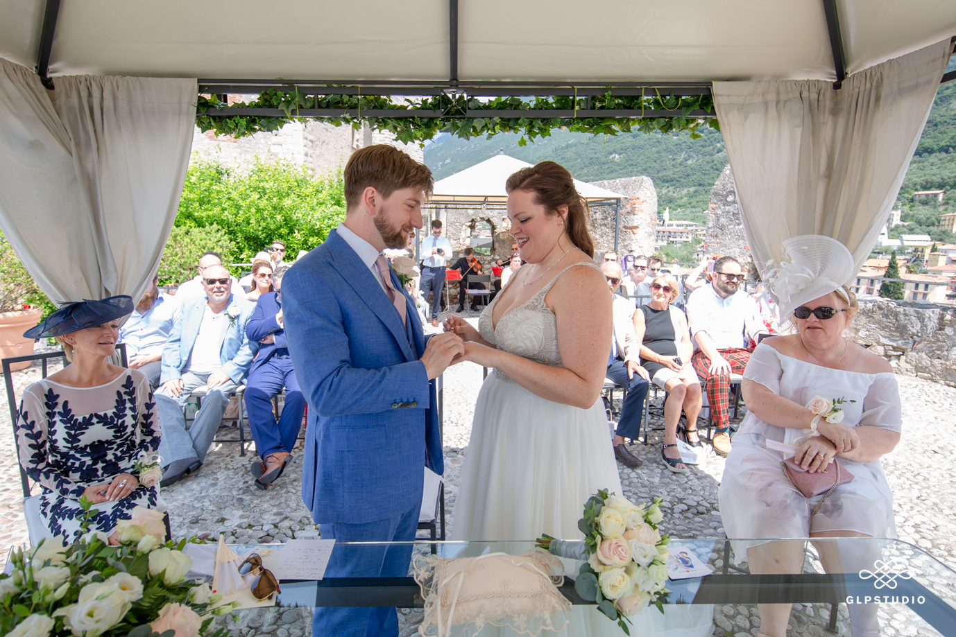 Professional wedding photographer. Wedding at the Scaliger Castle of Malcesine on Lake Garda, Verona