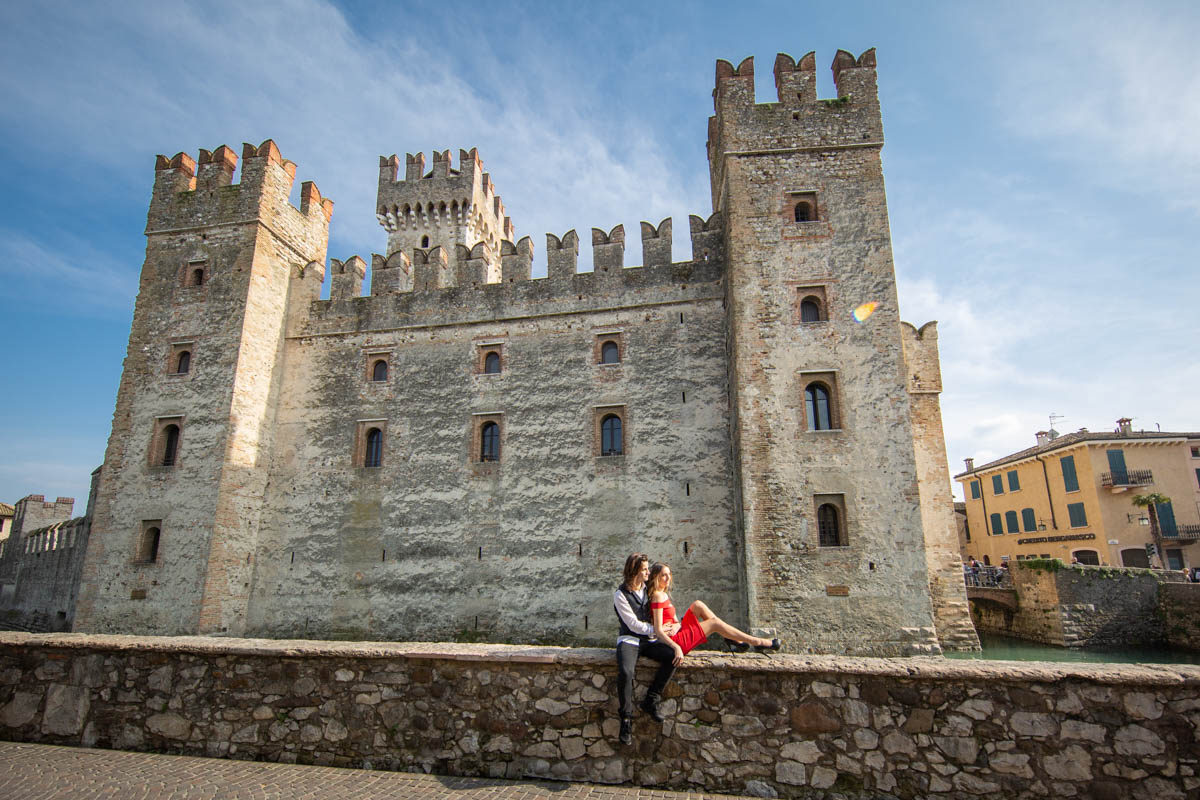 Professional wedding photographer - COUPLE PHOTOGRAPHER IN SIRMIONE ON LAKE GARDA
