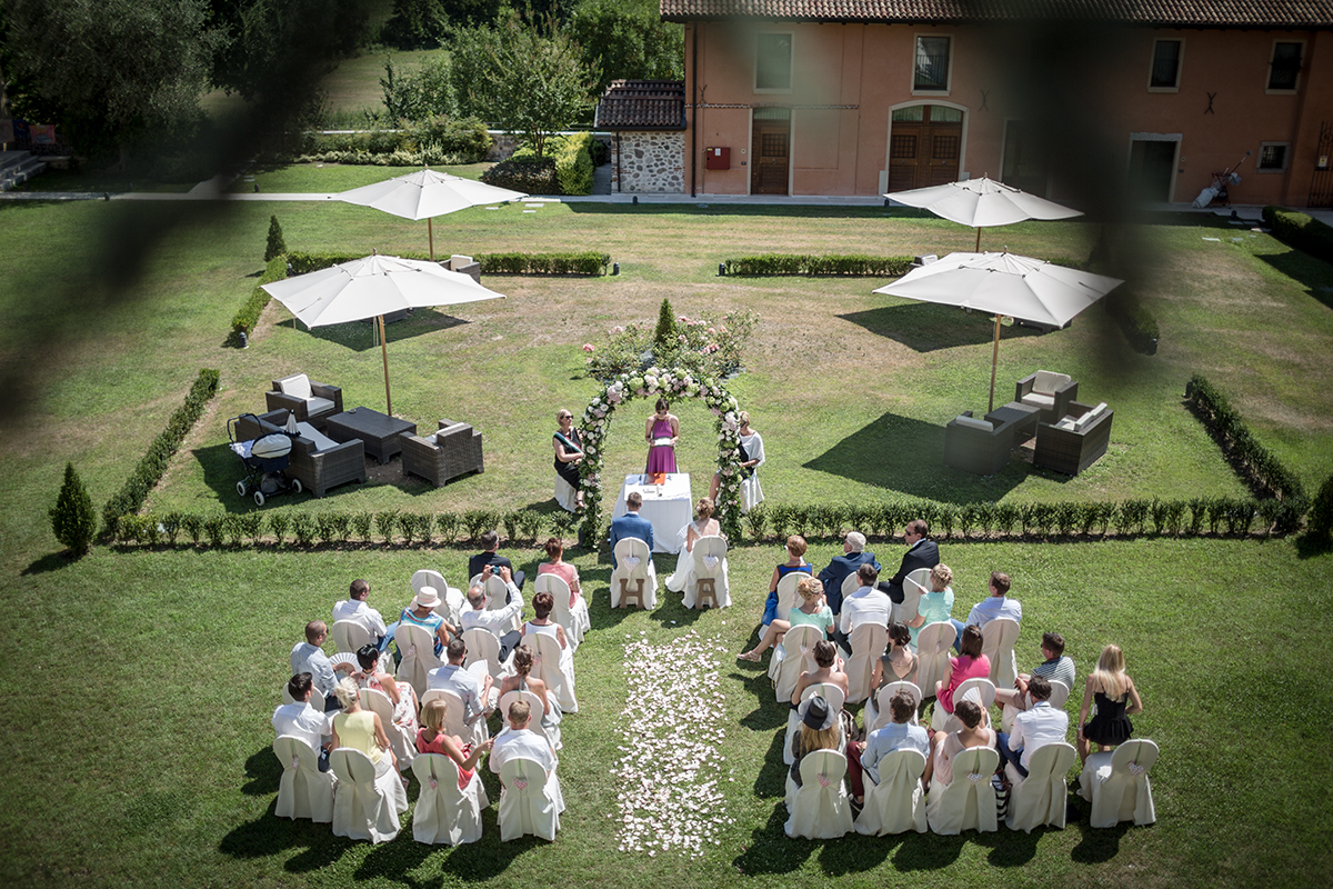Professional wedding photographer. FAMILY AND HOLIDAY PHOTOGRAPHY lake Garda Verona
