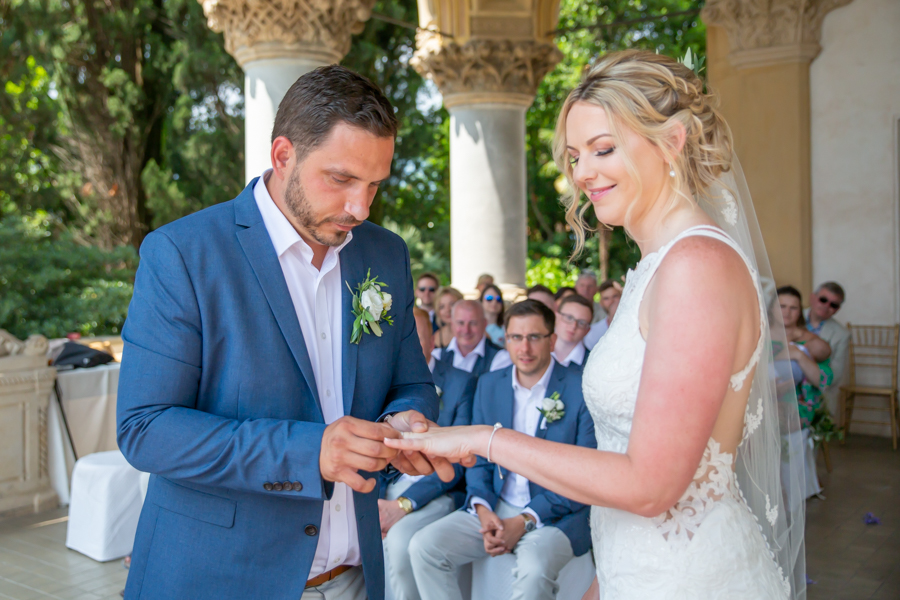 Exchange of wedding rings - Isola del Garda