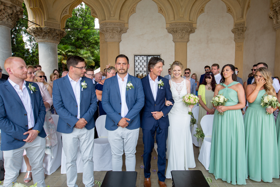 Professional wedding photographer. Wedding Ceremony on the Garda Island - WEDDING PHOTOGRAPHER AT VILLA BORGHESE CAVAZZA ON THE GARDA ISLAND