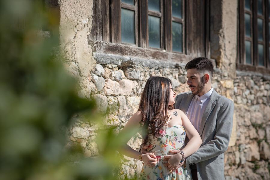 Professional wedding photographer. Couple photo shoot at the SCALIGERO CASTLE OF TORRI DEL BENACO, LAKE GARDA