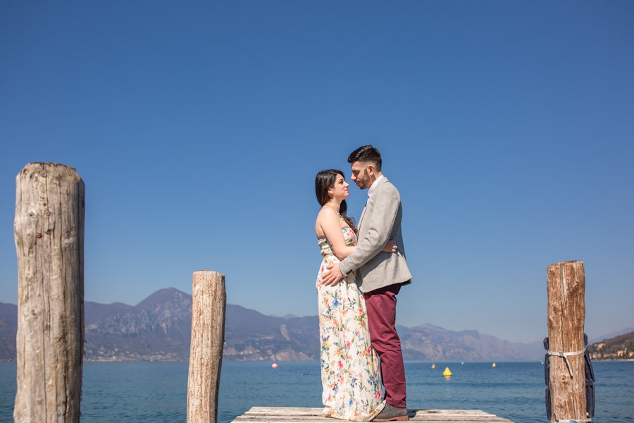 Professional wedding photographer. Unforgettable moments of love in Torri del Benaco on Lake Garda - GLPSTUDIO photo shoots