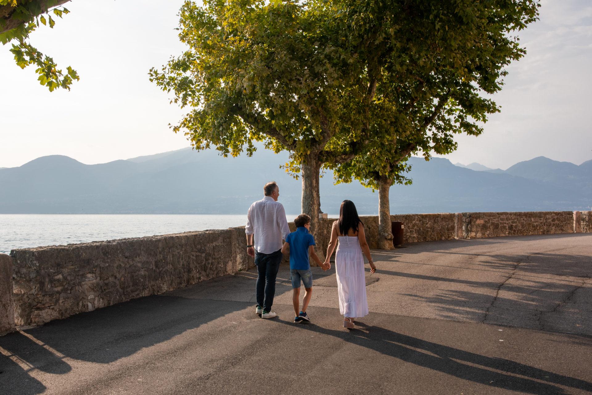 Servizio fotografico di famiglia sul lago di Garda GLPSTUDIO 335 5234158