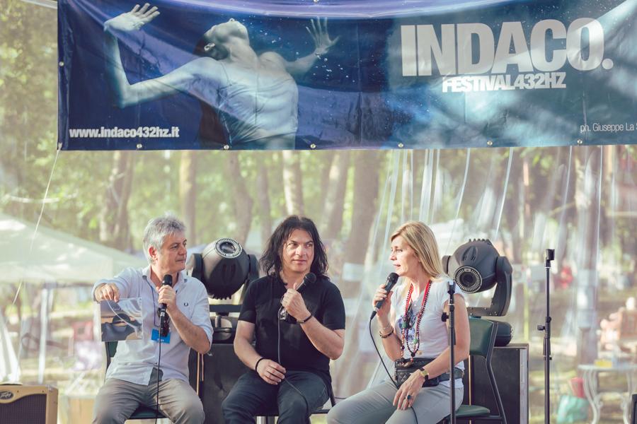 Alessandra Bertelli presenta il disco Liquid Guitars di Albenati e Sitarvala