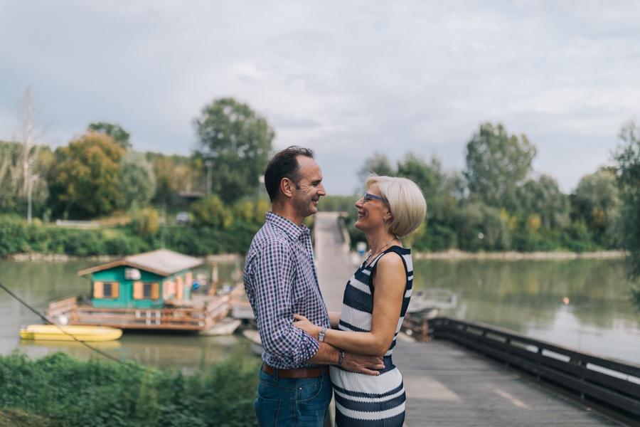 Family portrait photographer at lake Garda